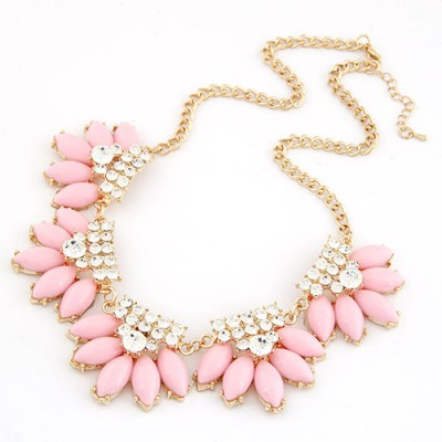 Monarchy Pink Metal Inlaid Diamond Flower Design Alloy Bib Necklaces