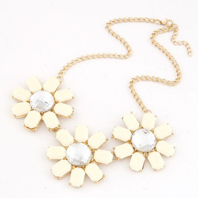 Budget White Three Rich Gemstone Flower Decorated Alloy Bib Necklaces