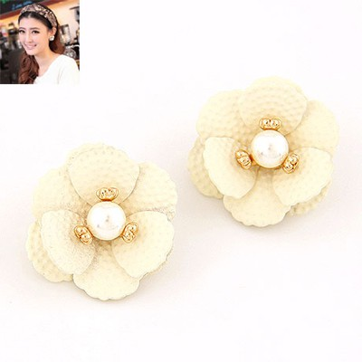 Eco Beige Sweet Flower Pearl Design Alloy Stud Earrings