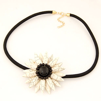 Current beige sunflower shape design alloy Chokers