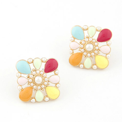 Padded multicolor flower shape pearls decorated design alloy Stud Earrings