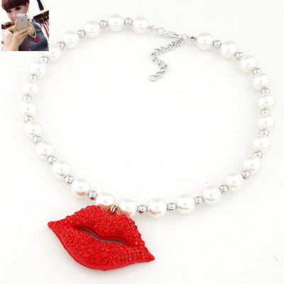 Bohemian red pearl decorated lip pendant design alloy Beaded Necklaces