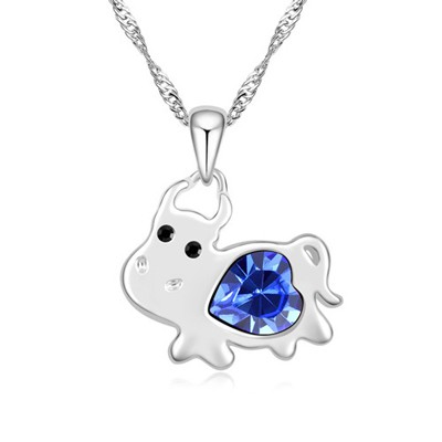 Aluminium blue diamond decorated cow pendant design alloy Crystal Necklaces