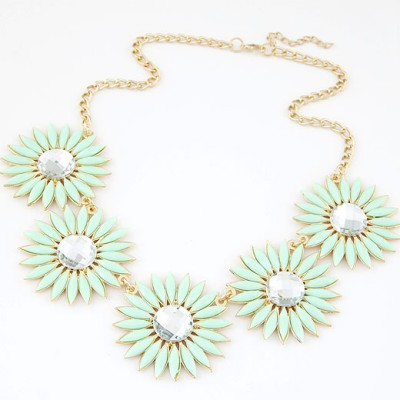 Sparrow light green gemstone decorated flower design alloy Bib Necklaces