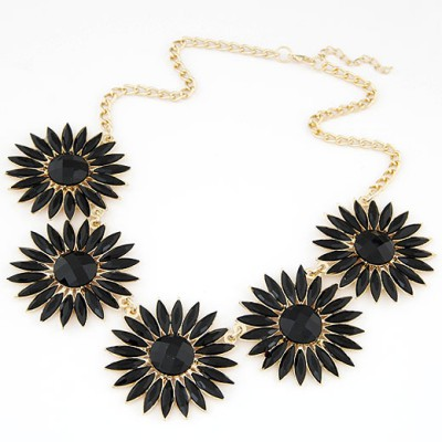 2013 black gemstone decorated flower design alloy Bib Necklaces