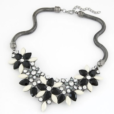 Facial black gemstone decorated flower design alloy Bib Necklaces