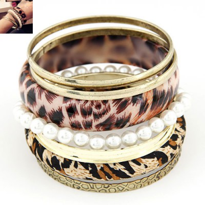 Madewell Leopard grain color pearl decorated multilayer design alloy Fashion Bangles