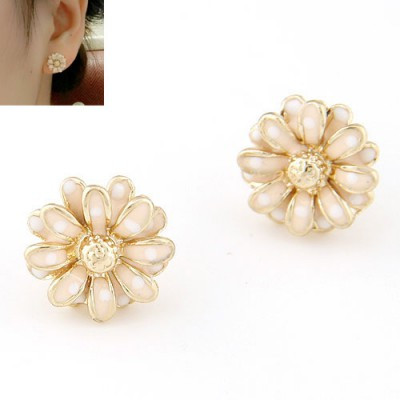 Bodybuildi light pink CZ diamond decorated flower design alloy Stud Earrings