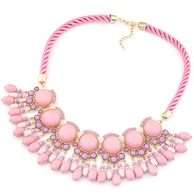 Decorative pink gemstone decorated Fan-shaped tassel design