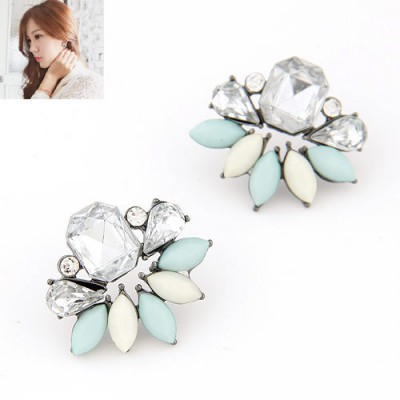 Rhinestone light blue diamond decorated leaf design alloy Stud Earrings