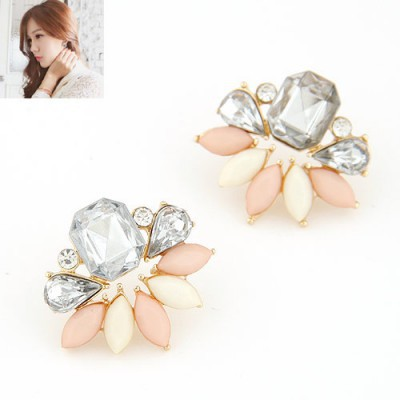 Expensive light pink diamond decorated leaf design alloy Stud Earrings