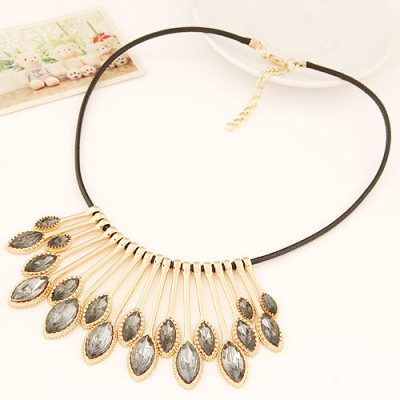 High Waist gray gemstone decorated waterdrop shape design alloy Bib Necklaces