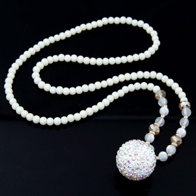 Posh white beads decorated round shape design alloy Beaded Necklaces