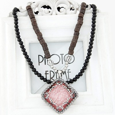 Inexpensiv light pink diamond decorated square pendant design alloy Bib Necklaces