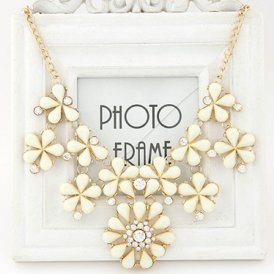 Convertibl beige gemstone decorated flower design alloy Bib Necklaces