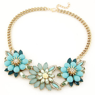 Sullen light blue gemstone decorated flower design