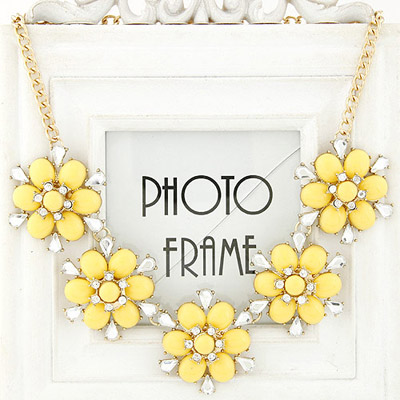 22K yellow diamond decorated flower design alloy Bib Necklaces