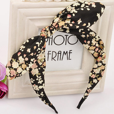 Mobile Multicolor bowknot decorated flower pattern design