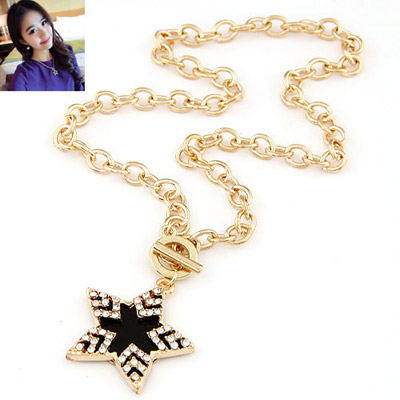 Baggy Gold Color Diamond Decorated Star Pendant Design Alloy Chains