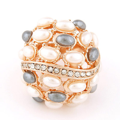 Political Pink Pearldecorated Simple Design Alloy Korean Rings