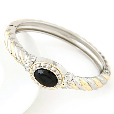 Engraved Black Gemstone Decorated Round Shape Design Alloy Fashion Bangles