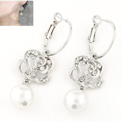 Asian Silver Color Diamond Decorated Rose Design Alloy Stud Earrings