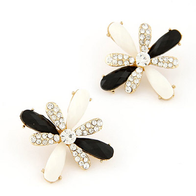 2013 Black & White Diamond Decorated Flower Design Alloy Stud Earrings