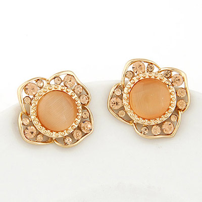 Pagan Champagne Diamond Decorated Flower Design Alloy Stud Earrings