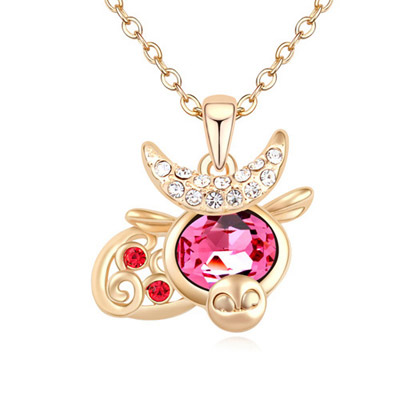Nice Plum Red & Champagne Gold Diamond Decorated Cow Shape Pendant Design Alloy Crystal Necklaces