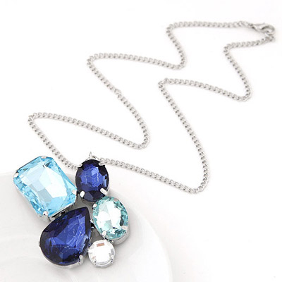 Friendly Blue Diamond Decorated Geomaterical Shape Design Alloy Chains