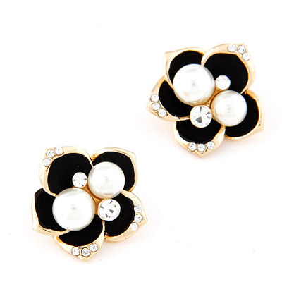 Friendship Black Pearl Decorated Flower Design