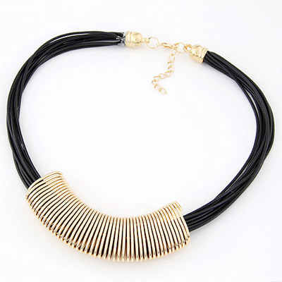 Chunky Gold Color Round Metal Decorated Simple Design Alloy Bib Necklaces