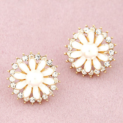 Arrowhead White Diamond Decorated Flower Design Alloy Stud Earrings