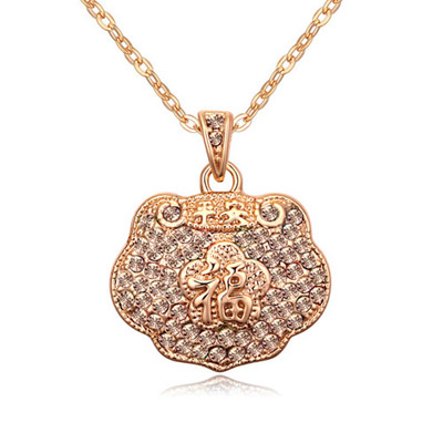 Inexpensiv Light Peach & Champagne Gold Diamond Decorated Luky Lock Pendant Design Alloy Crystal Necklaces
