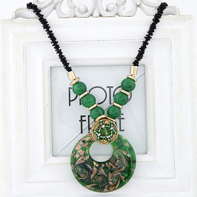 Hiking Green Beads Decorated Round Pendant Design Bead Bib Necklaces