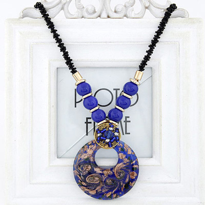 Special Sapphire Blue Beads Decorated Round Pendant Design Bead Bib Necklaces