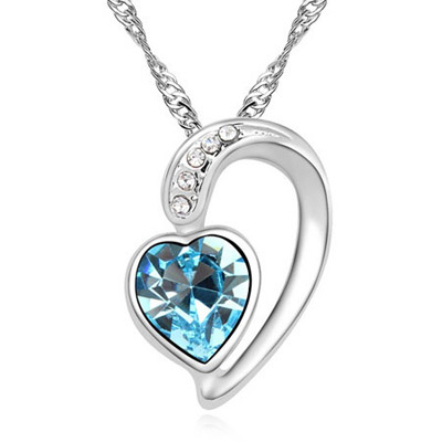 Royal Blue Diamond Decorated Heart Pendant Design Alloy Crystal Necklaces