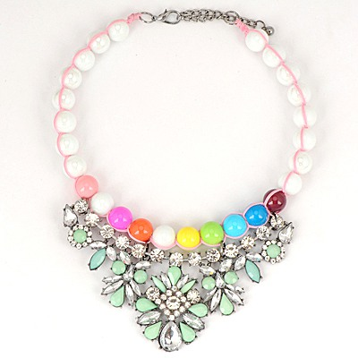 Engravable Green Gemstone Flower Decorated Pearl Chain Design Alloy Bib Necklaces