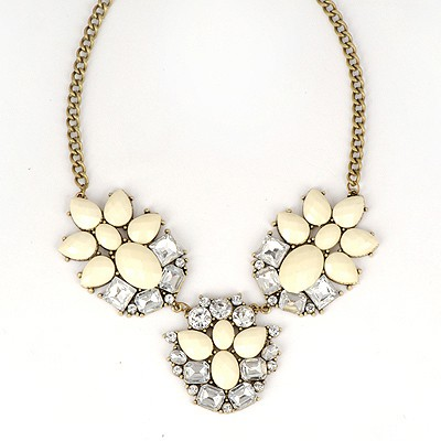 Decorative White Gemstone Decorated Simple Design Alloy Bib Necklaces