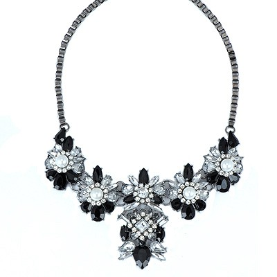 Simple Black Pearl Flower Decorated Alloy Bib Necklaces