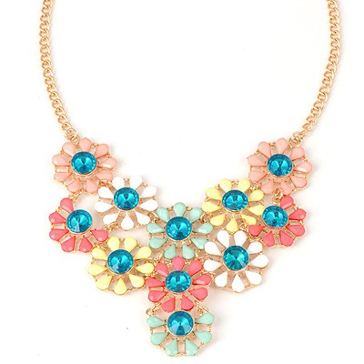 Pendants Multicolor Hollow Out Flower Pendant Design Alloy Bib Necklaces