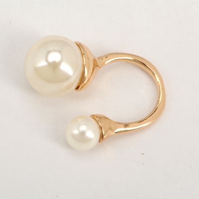 Beautiful Gold Color Good Quality Big Pearl And Small Pearl Decorated Opening Design Alloy Korean Rings
