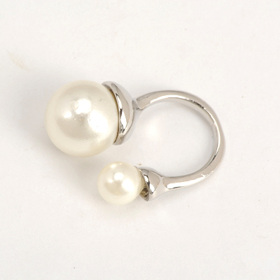 Wonderful Silver Color Good Quality Big Pearl And Small Pearl Decorated Opening Design Alloy Korean Rings