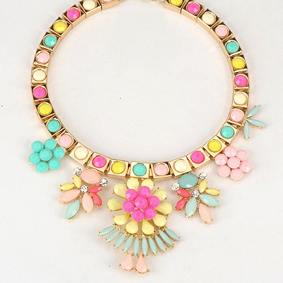 Eatable Multicolor Elegant Flower Gemstone Decorated Alloy Bib Necklaces