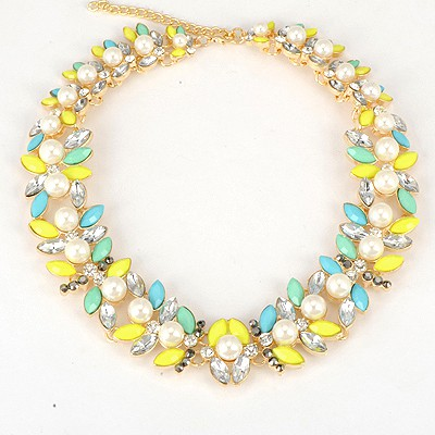 Simple Fluorescent Yellow Inlaid Abstract Butterfly Fake Collar Design Alloy Bib Necklaces