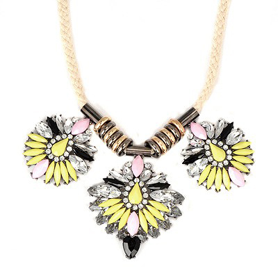 2013 Fluorescent Yellow Three Oval Shape Flower Gemstone Decorated Alloy Bib Necklaces