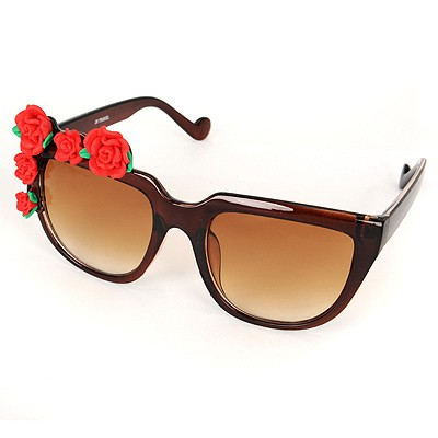 Fitness Brown Five Rose Flowers Decorated