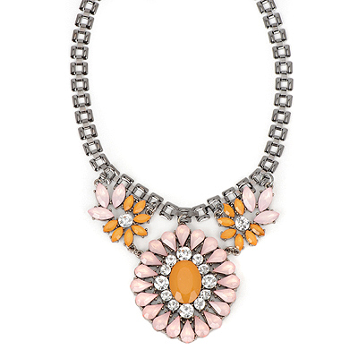 Alternativ pink gemstonedecoratedflowerdesign alloy Bib Necklaces
