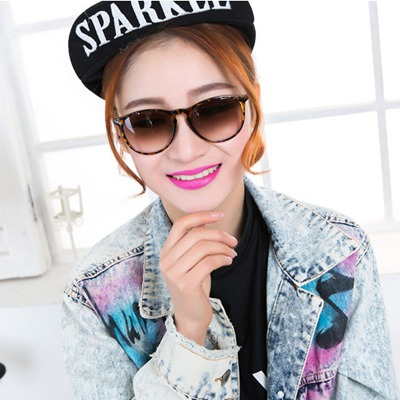 Estate leopard color round frame thin legs design resin Women Sunglasses