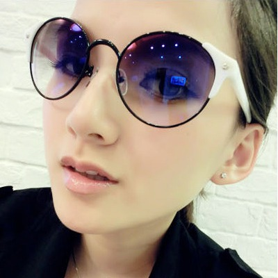 Funeral white round Frame Uv Protection Design resin Women Sunglasses